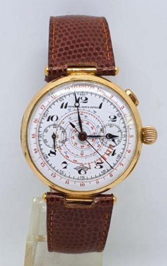 Universal watch extra 18k gold chronograph T-Bar  lugs  circa 1915